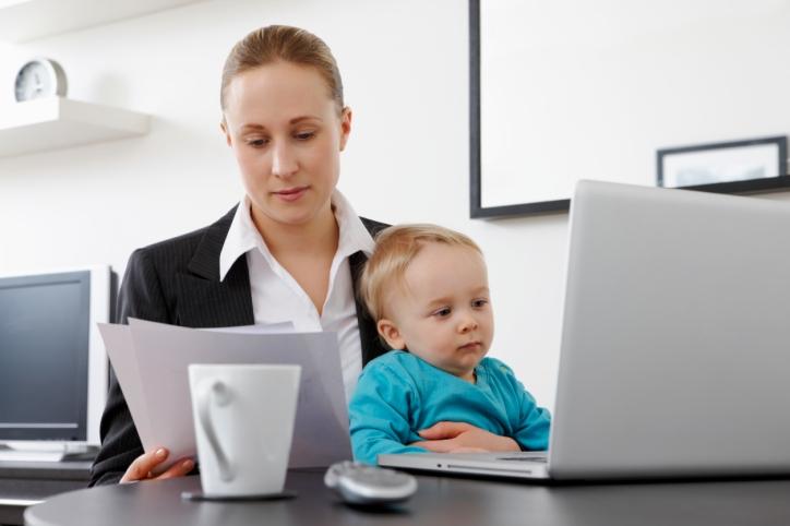 Pun cariera in standby pentru a sta cu copilul meu?