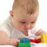 Dezvoltarea neuromotorie a copilului in perioada 4-6 luni
